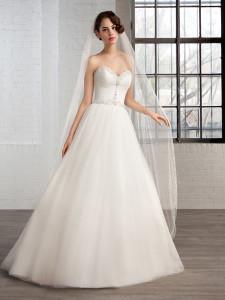 trouwjurk cosmobella-weddingstyles-7767-voorkant-1-458x611