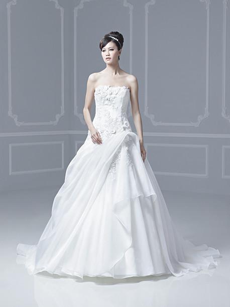 blue-by-enzoani-weddingstyles-freya-voorkant
