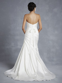 beautiful-by-enzoani-weddingstyles-15-4-achterkant