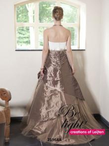 creations-of-leijten-weddingstyles-25964-achterkant-beige