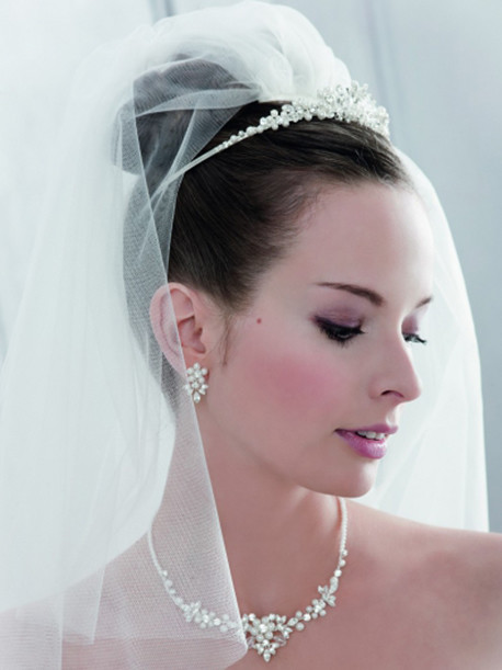 emmerling-weddingstyles-kettingen-tiara-1393953640