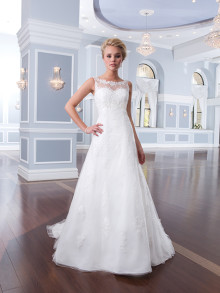 lilian-west-weddingstyles-6300-voorkant