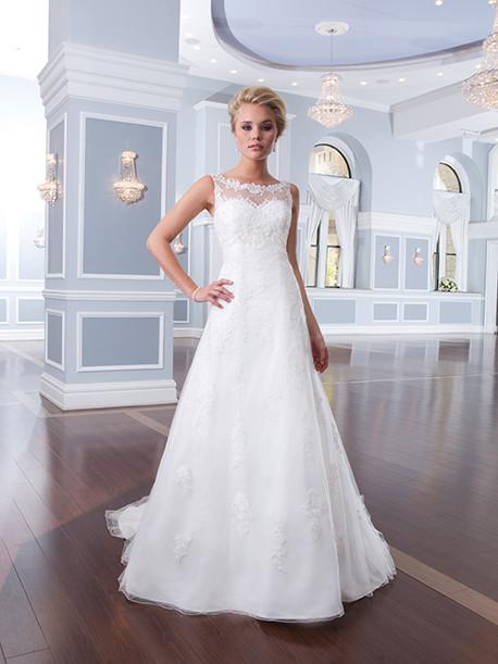 lilian-west-weddingstyles-6300-voorkant