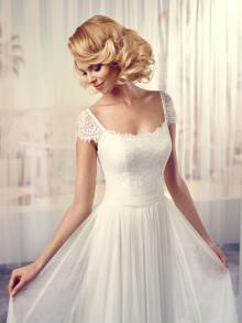 modeca-le-papillon-weddingstyles-soft-a-voorkant-close-up