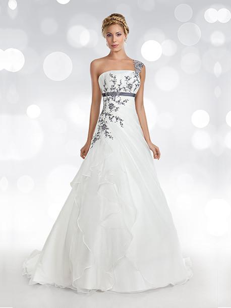 oreasposa-weddingstyles-l766-voorkant