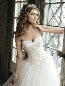sincerity-weddingstyles-3656-voorkant-close-up-2
