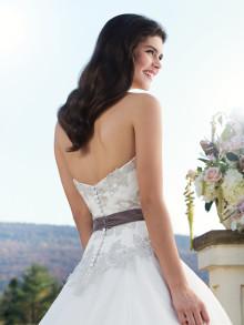 sincerity-weddingstyles-3756-achterkant-close-up-belt