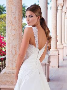 sweetheart-weddingstyles-6040-achterkant-close-up