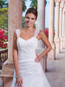 sweetheart-weddingstyles-6040-voorkant-close-up