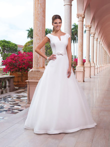 sweetheart-weddingstyles-6047-voorkant