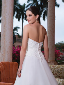 sweetheart-weddingstyles-6080-achterkant-close-up