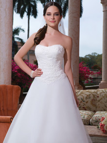 sweetheart-weddingstyles-6080-voorkant-close-up