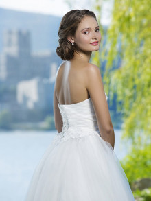 sweetheart-weddingstyles-6085-achterkant-close-up