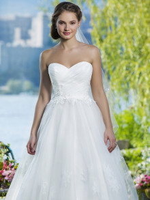 sweetheart-weddingstyles-6085-voorkant-close-up