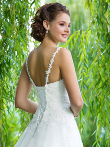 sweetheart-weddingstyles-6090-achterkant-close-up