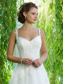 sweetheart-weddingstyles-6090-voorkant-close-up