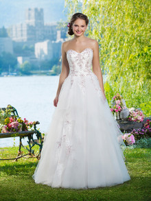sweetheart-weddingstyles-6102-voorkant