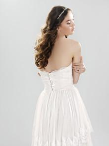 lilian-west-weddingstyles-6413-achterkant-close-up