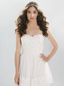 lilian-west-weddingstyles-6413-voorkant-close-up