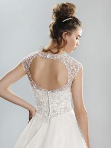 lilian-west-weddingstyles-6415-achterkant-close-up