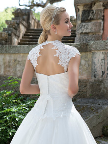sincerity-weddingstyles-3904-achterkant-close-up