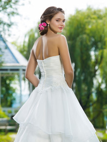 sweetheart-weddingstyles-6100-achterkant-close-up