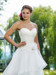 sweetheart-weddingstyles-6100-voorkant-close-up