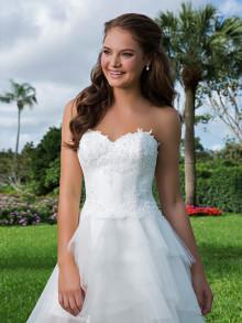 sweetheart-weddingstyles-6105-voorkant-close-up