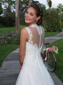 sweetheart-weddingstyles-6125-achterkant-close-up