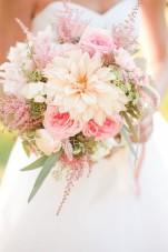 Het bruidsboeket: gooien of zelf houden?
