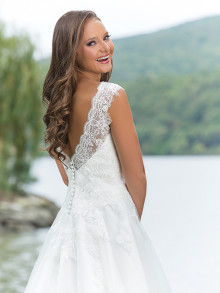 sweetheart-weddingstyles-6143-achterkant-closeup