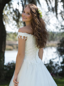 sweetheart-weddingstyles-6186-achterkant-closeup
