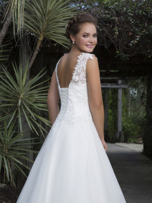 sweetheart-weddingstyles-6127-achterkant-closeup